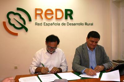 REDR y la Asociación de Telecentros firman un convenio para el impulso de la Sociedad del Conocimiento en el medio Rural.