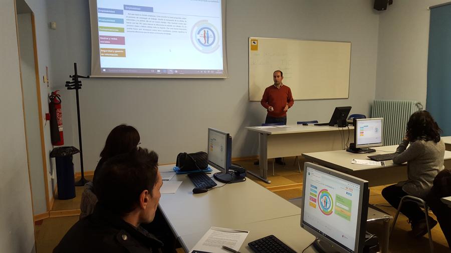 40 personas participan en la Get Online Week en Tudela