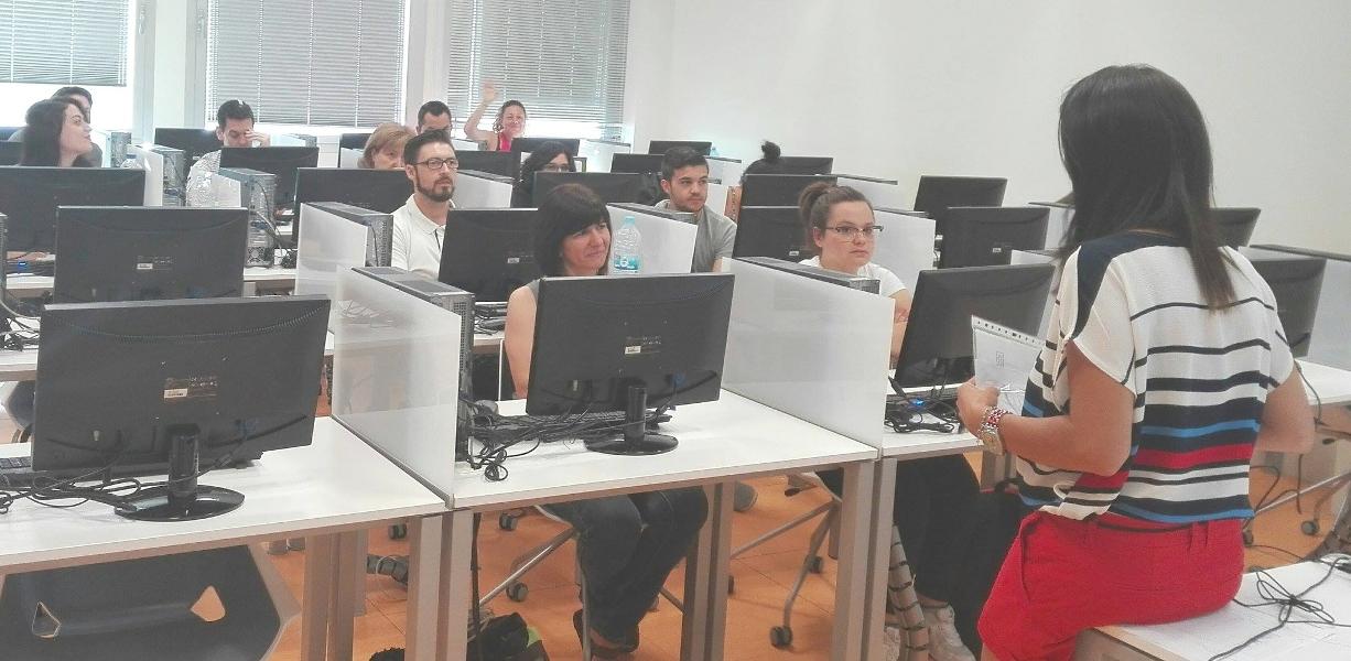 Charlas sobre seguridad en el uso de Internet en los Nuevos Centros del Conocimiento