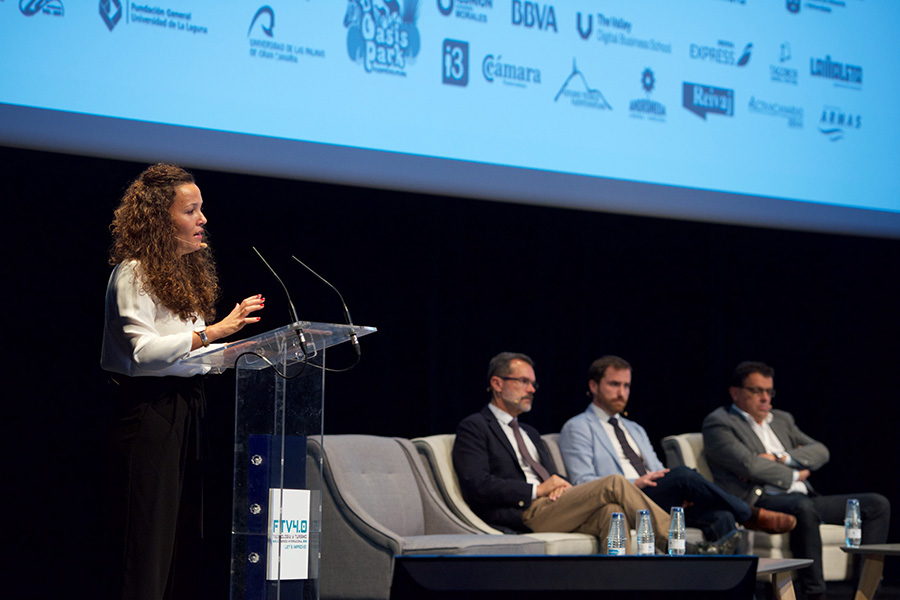 Un numeroso y participativo público avala la consolidación del Congreso Fuerteventura 4.0